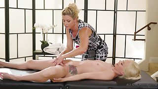 Nancy MILF India Summer gives Elsa Jean a pussy added to tits massage